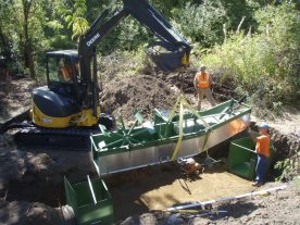 Installing a fish screen on Cowiche Creek